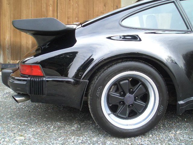 Fuchs_wheels_size_16x9_rear_porsche